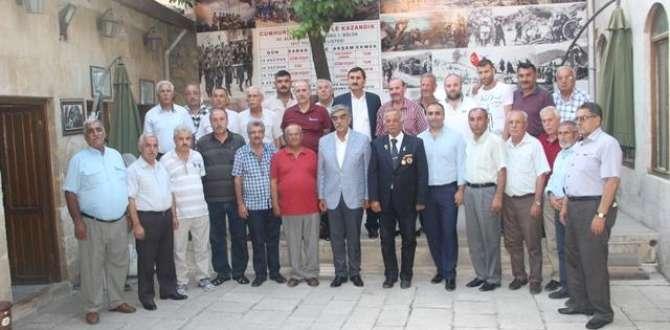 MHP HATAY ÜYELERİ VE MV. M.NECMETTİN AHRAZOĞLU GAZİLERİ ZİYARET ETTİ