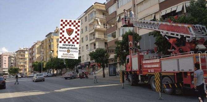 HAMZA EFENDİ'DEN HATAYSPOR'A BAYRAK DESTEĞİ
