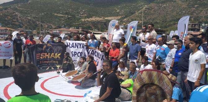 Samandağ'da yamaç paraşütü şampiyonası coşkusu