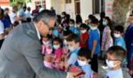 Belediye Başkanı İbrahim Gül'den öğrencilere hediye