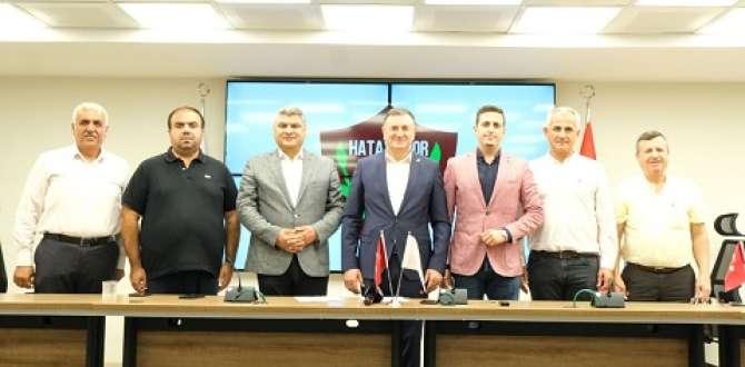 Atakaş Hatayspor için tarihi imzalar atıldı